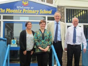 John Baron MP visits The Phoenix Primary School's free IT workshops