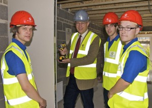 John Baron MP congratulates Barrett Homes on its apprenticeship scheme on visit to Acacia Park Development