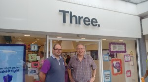 John Baron MP visits Three mobile store in Basildon